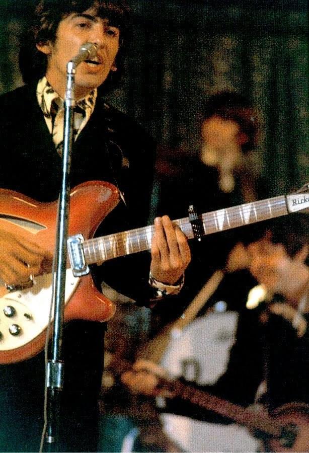 George Harrison 1966 The Beatles 11143959 614 900